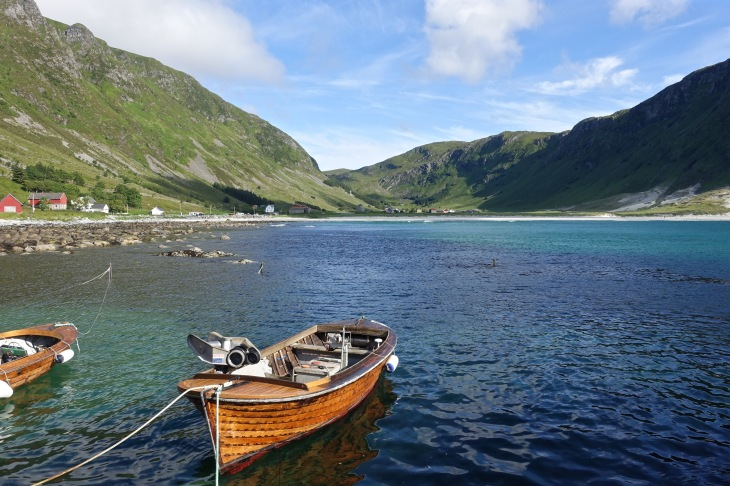 Small boats in big landscapes