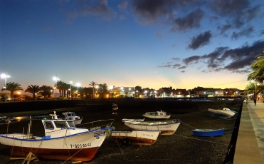 Arrecife by night
