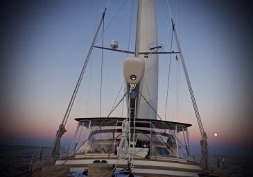 Pretty sailing sky